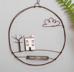 'Home Sweet Home' Hanging Metal Wreath