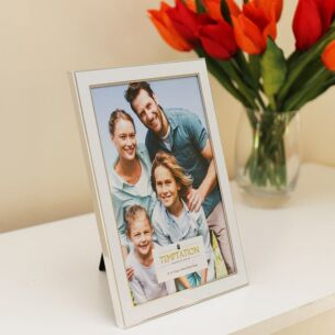 White Edged Photo Frame 8x6