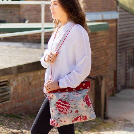 New Rose Bloom Reversible Folded Messenger Bag