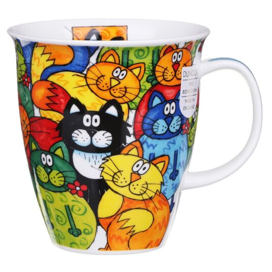 Hide and Seek Cat Nevis Shape Mug