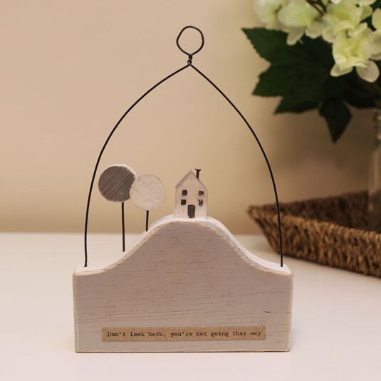 'Don't Look Back' Hill House Wooden Scene