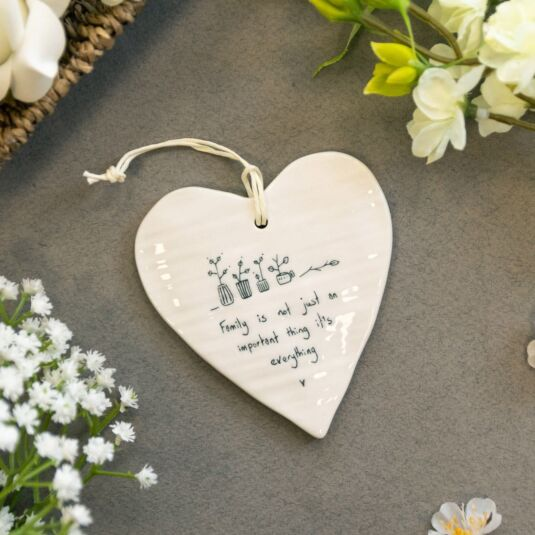 'Family is Everything' Wobbly Hanging Heart
