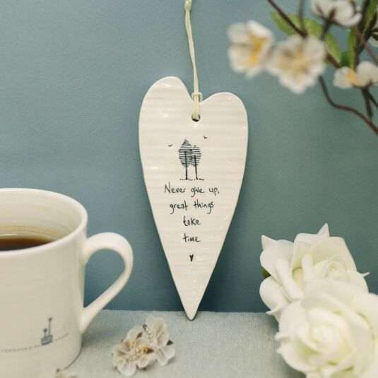 'Never Give Up' Long Porcelain Heart