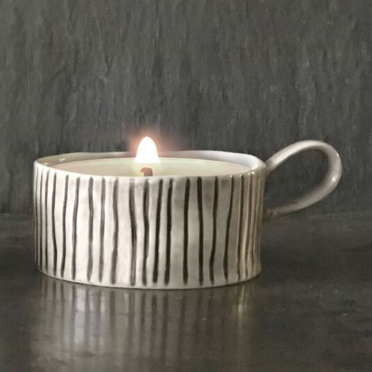 Scratched Lines Handled Candle Holder