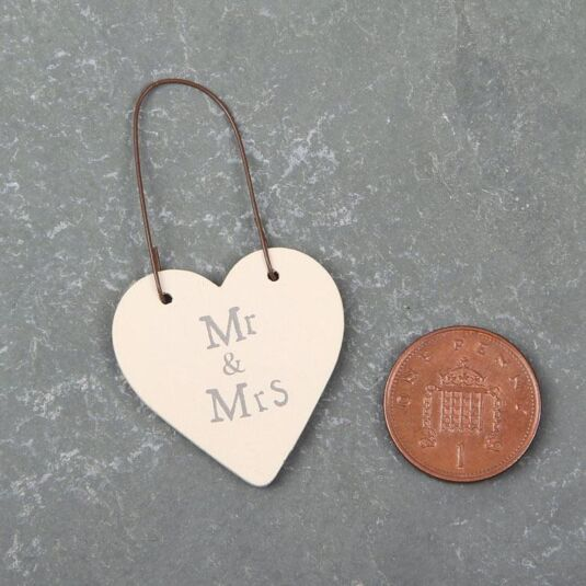 Mr & Mrs - 3cm Little Heart on Wire