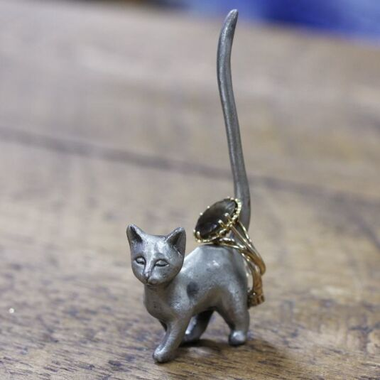 Standing Cat Pewter Ring Holder