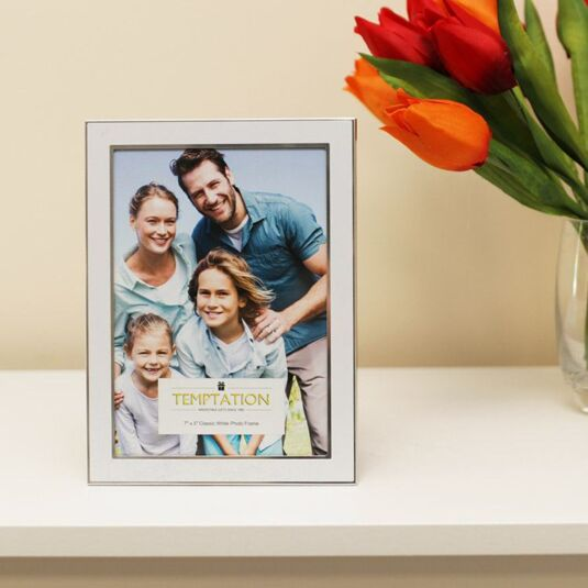 White Edged Photo Frame 7x5
