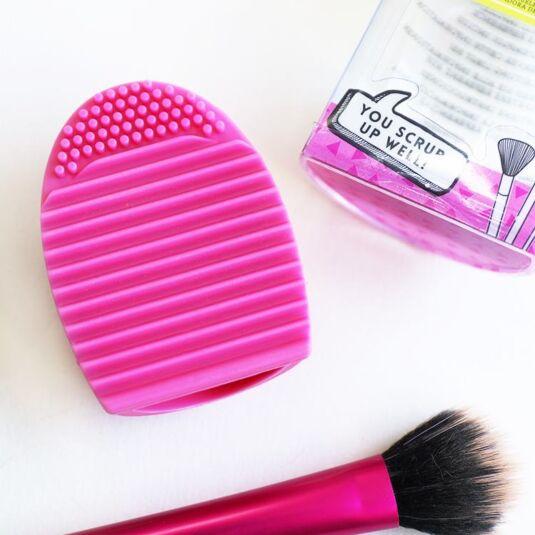 Beauty Junky Brush Buddy
