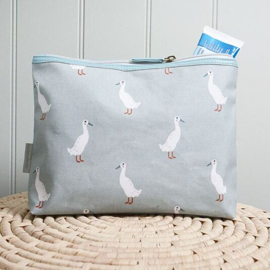 Runner Duck Oilcloth Wash Bag
