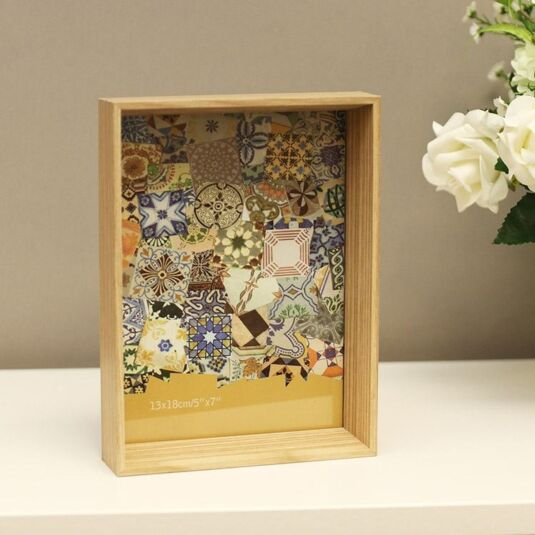 "7 x 5"" Inset Box Wooden Sofine Frame in light brown"