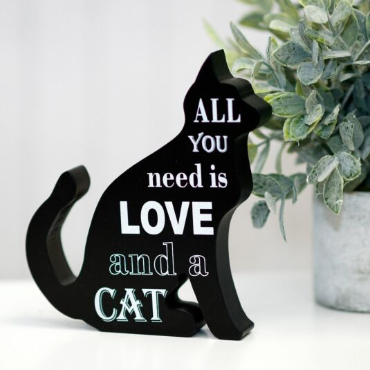 'Love' Cat Sign