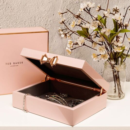 9127d2a85 Ted Baker Pink Lacquered Medium Jewellery Box | Temptation Gifts