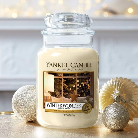 Резултат от изображение за свещ Yankee Winter Wonder