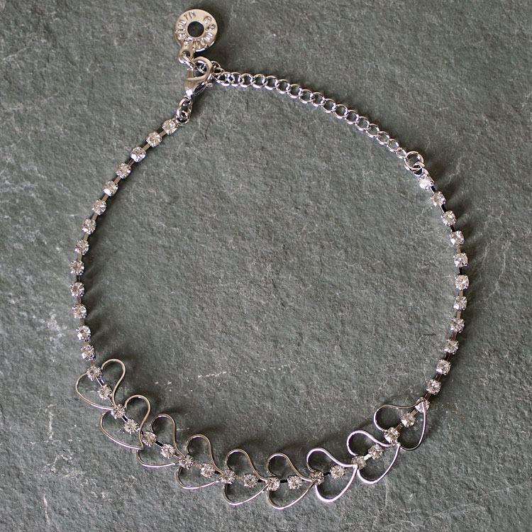 equilibrium delicate hearts bracelet