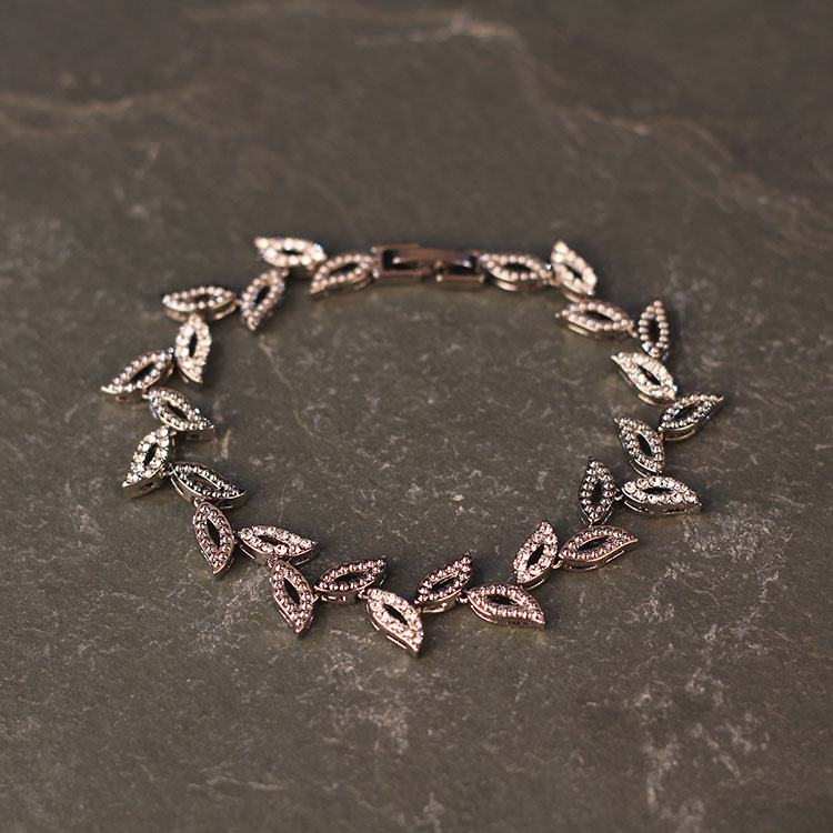 equilibrium vintage hollow leaves bracelet