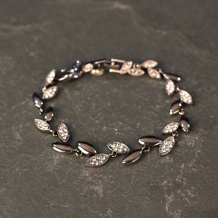 equilibrium vintage solid leaves bracelet
