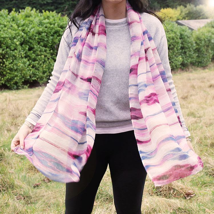 Women's Cases & Bags Scarves & Headscarves Gifts for Men Occasional Gifts Pink & Blue Soft Stripe Scarf